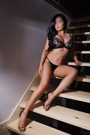 Maissem escorts